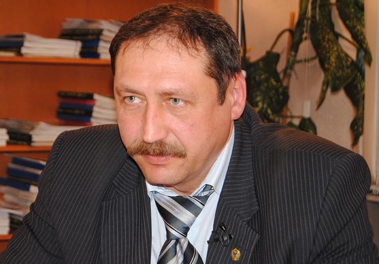 Doc22.ru Сергей Панов не согласен с губернатором и готовится доказывать свою правоту в суде.