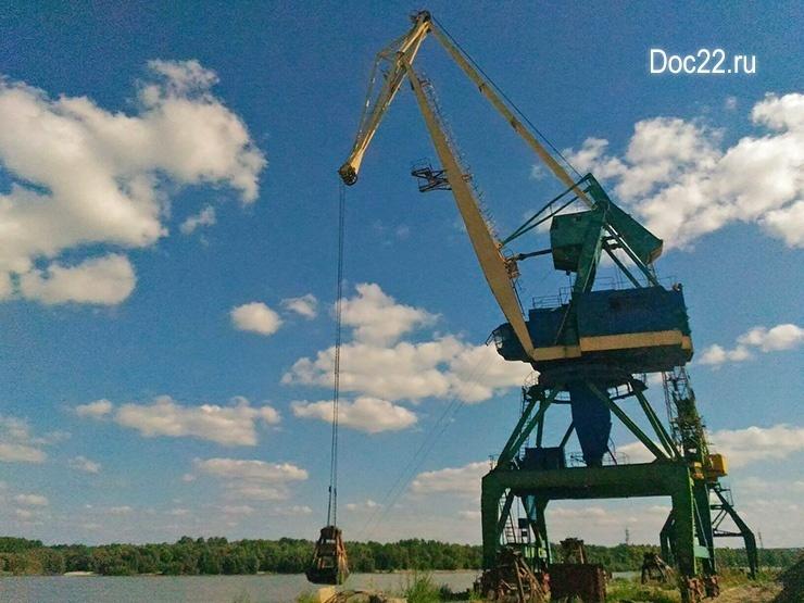 Doc22.ru В 2016 году за счет частных инвестиций в рамках Соглашения выполнен ремонт подъезда к порту «Восточный» в Барнауле, восстановлены три крана для разгрузки барж.