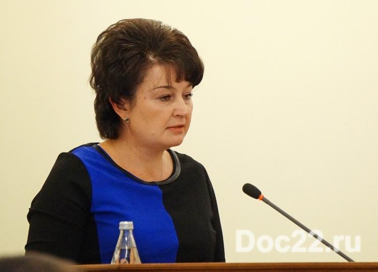 Doc22.ru Ирина Долгова: В Алтайском крае в этом году трудоустроилось в 1,3 раза больше терапевтов и в 2,4 раза больше участковых педиатров по сравнению с 2016 годом.