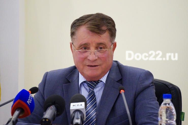 Doc22.ru Александр Чеботаев: С 2000 году алтайские фермеры благодаря господдержке нарастили объемы производства скота и птицы на убой более чем в 3 раза, объемы производства молока - почти в 5 раз.