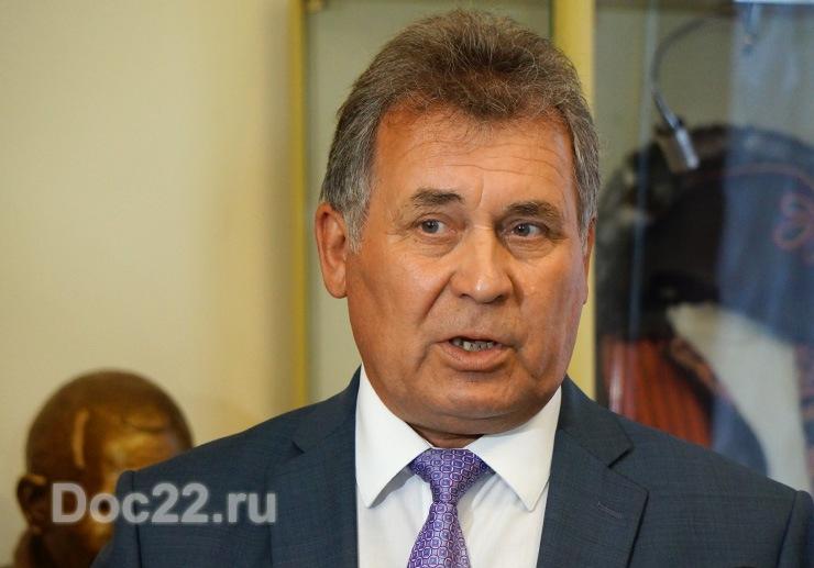 Doc22.ru Александр Романенко: Увеличение федеральных дотаций позволит на нарастить доходную часть бюджета и еще более отчетливо формировать наши расходы на выполнение социальных обязательств.