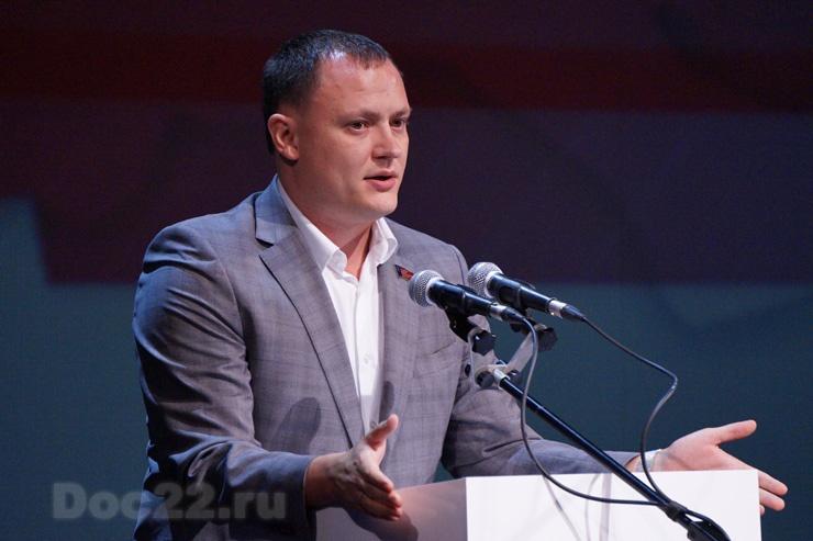 Doc22.ru Николай Данилин: Считаю важным распространение федерального проекта «Безопасные и качественные автомобильные дороги» на Бийскую и Рубцовскую агломерацию.