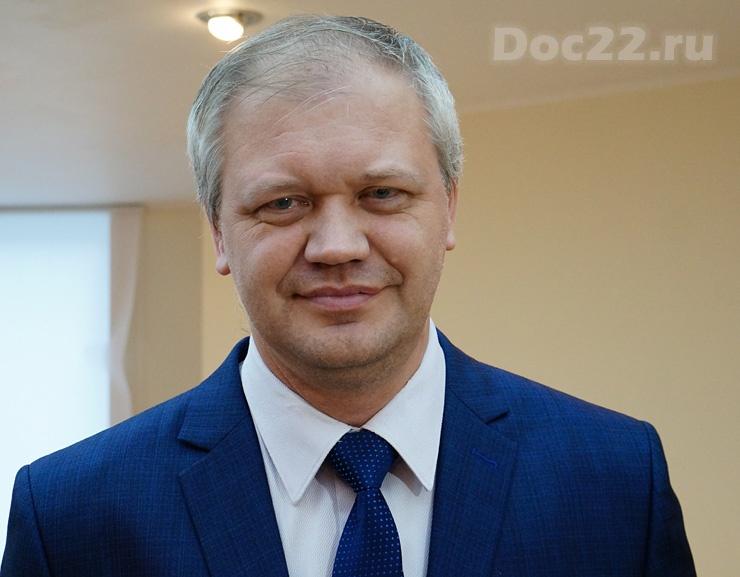 Doc22.ru Максим Герасимюк: Региональная программа «Цифровая экономика» преследует 3 главных задачи: развитие инфраструктуры, системы кадров и образования и цифровизацию сельского хозяйства.